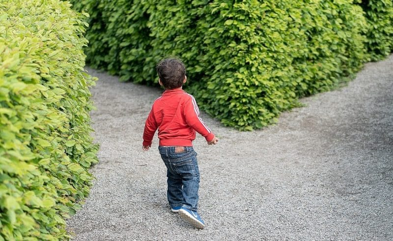 国籍を選ぼうとする子供